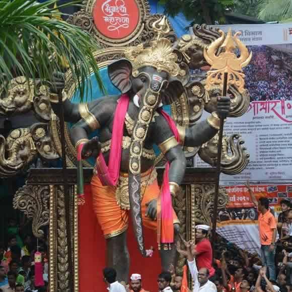 Mumbaicha Maharaja Ganpati is one of the best in Mumbai in 2015
