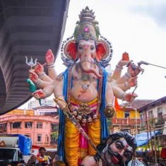 Parelcha Raja Nare Park is One Of Mumbai's Best Big Ganesh