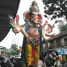 Image of the 2015 Parel Cha Raja Ganeshi at Nare Park
