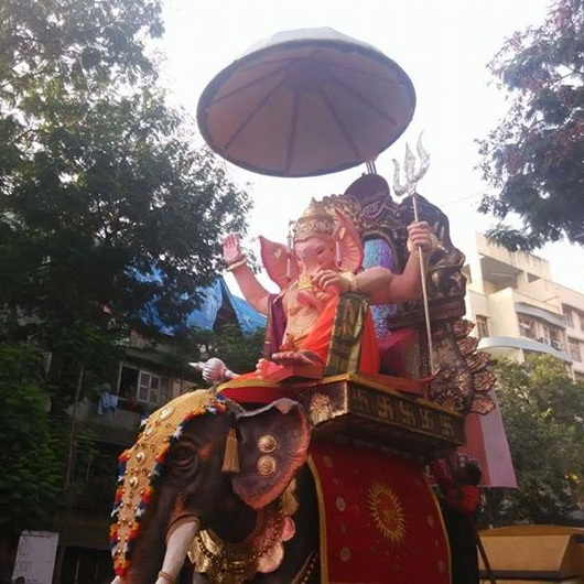 2015 Vile ParleCha Peshwa Is A Big Eco-Friendly Ganpati