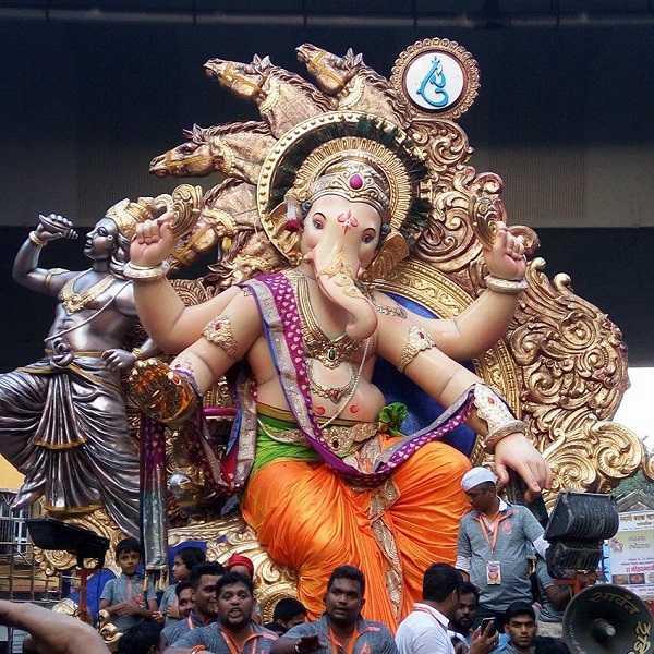 Chinchpokli Cha Chintamani is a Famous Mumbai Ganesha