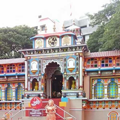 Replica of Badrinath Temple for Mumbaicha Raja in 2016